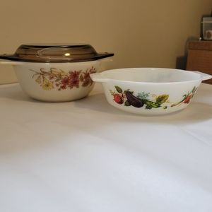 VTG Pyrex Jaj Bowls (Two) - One With Lid